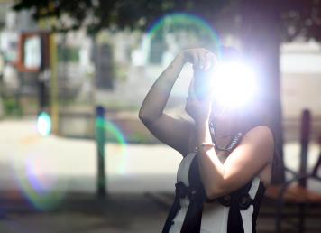 Jak fotografować z lampą błyskową?